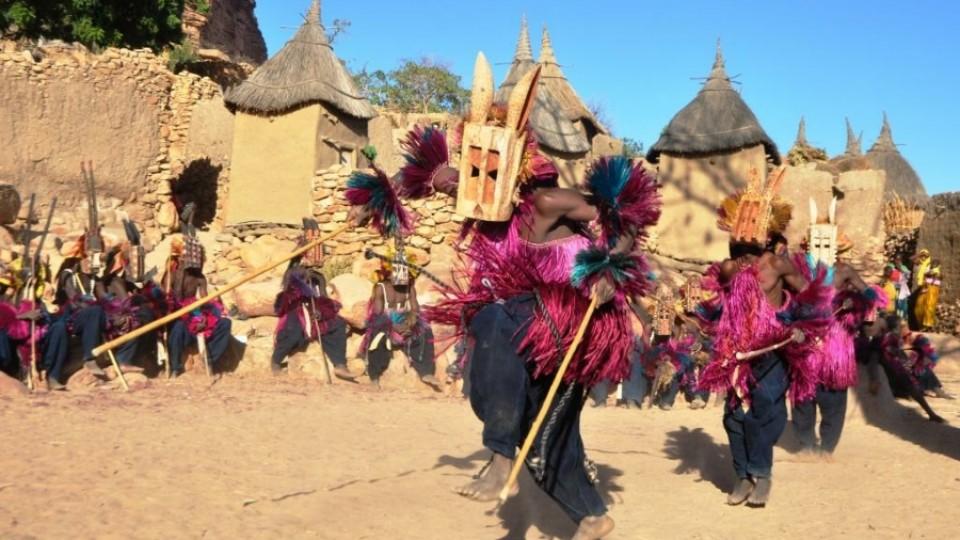 Mali  danza delle maschere Dogon a Tireli