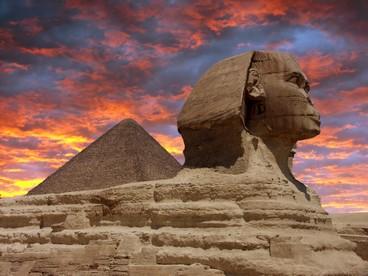 Sfinge e piramide a Giza, Egitto