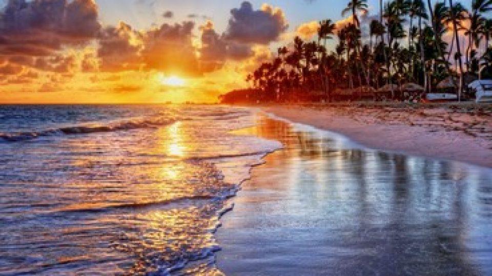 Tramonto su una spiaggia in Jamaica