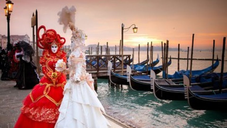 Carnevale di Venezia: maschere e gondole