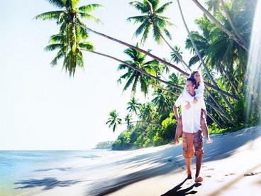 Coppia in viaggio di nozze alle Seychelles