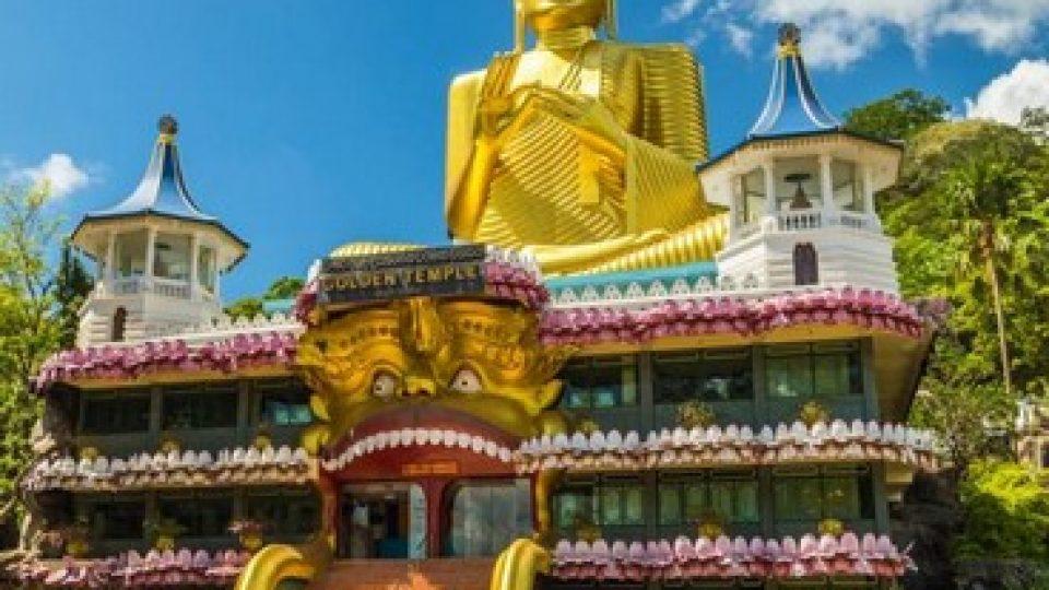 Il Tempio d'oro a Dambullia in Sri Lanka