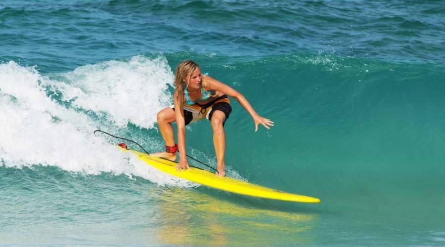 A scuola di surf in Spagna