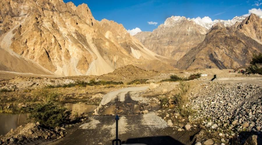 Tajikistan, un tratto della M41: strada del Pamir