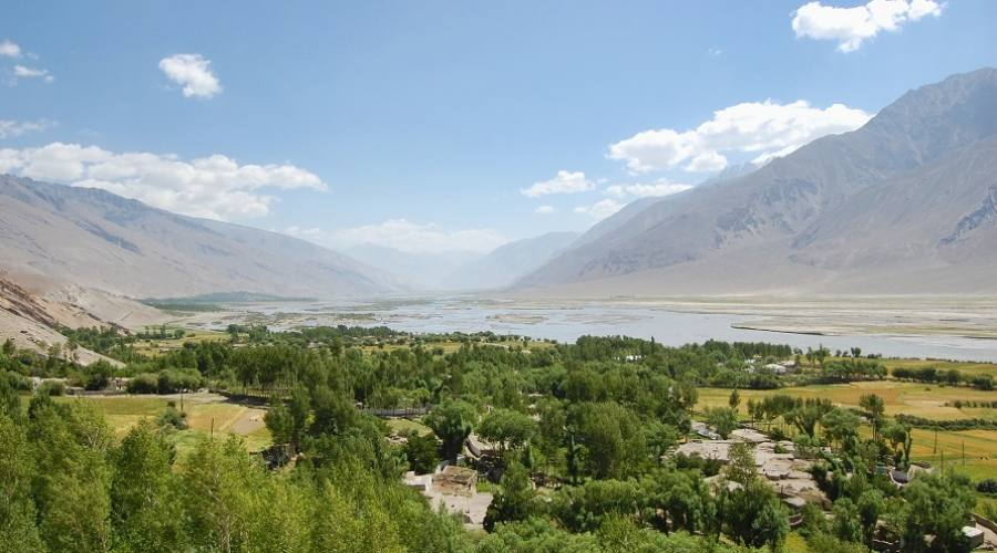 Una valle lungo la Palmir Highway