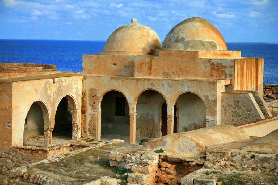 Djerba, storia e mare