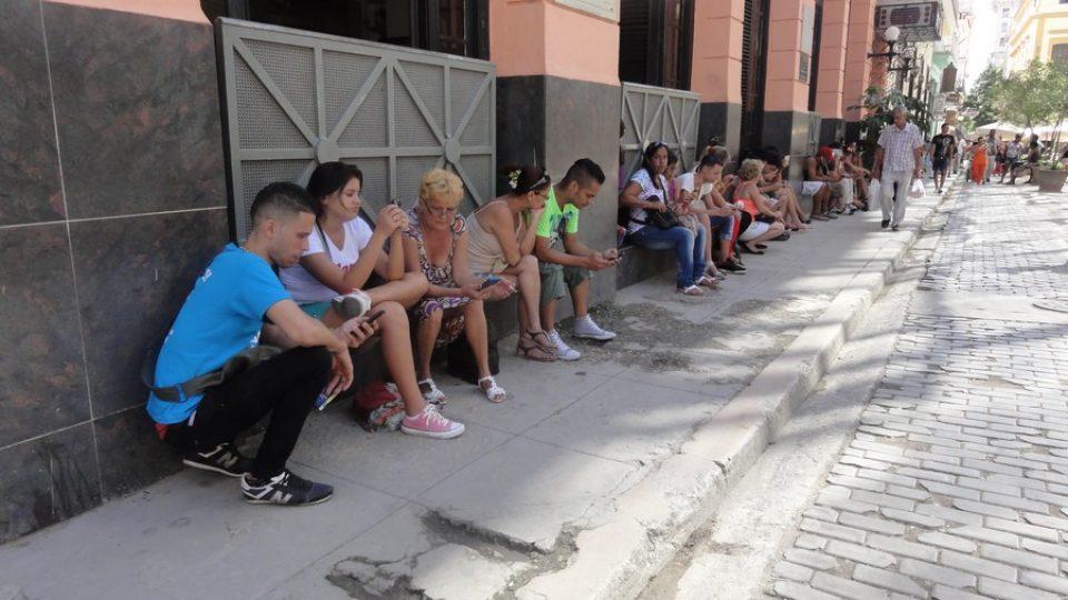 WiFi Internet HotSpot in Havanna, Cuba © Othmar Kyas (Creative Commons Attribution-Share Alike 4.0 International)
