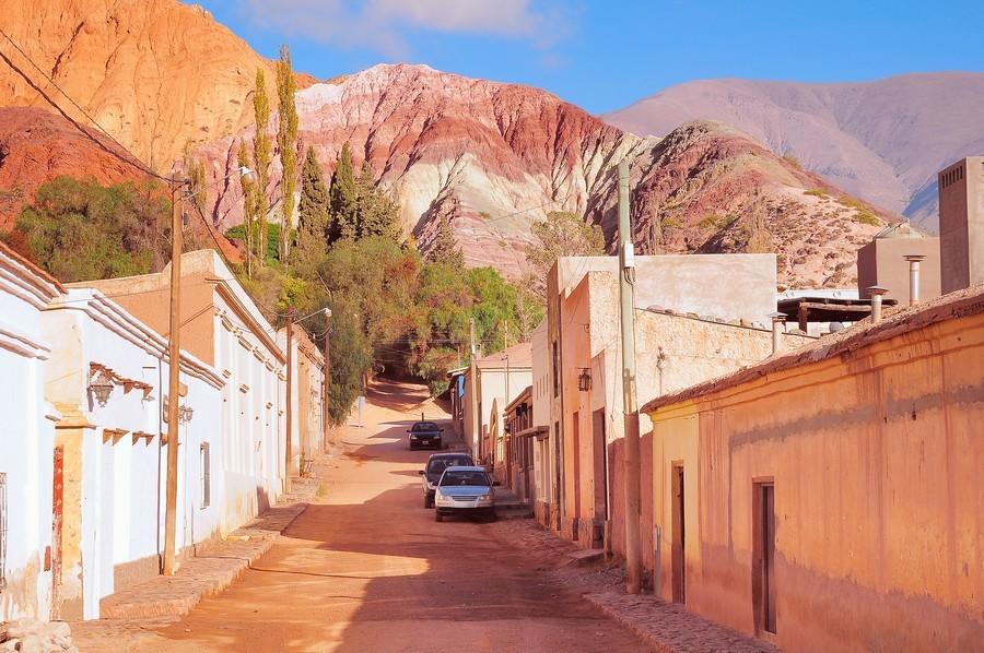 Una strada rossa di Purmamarca
