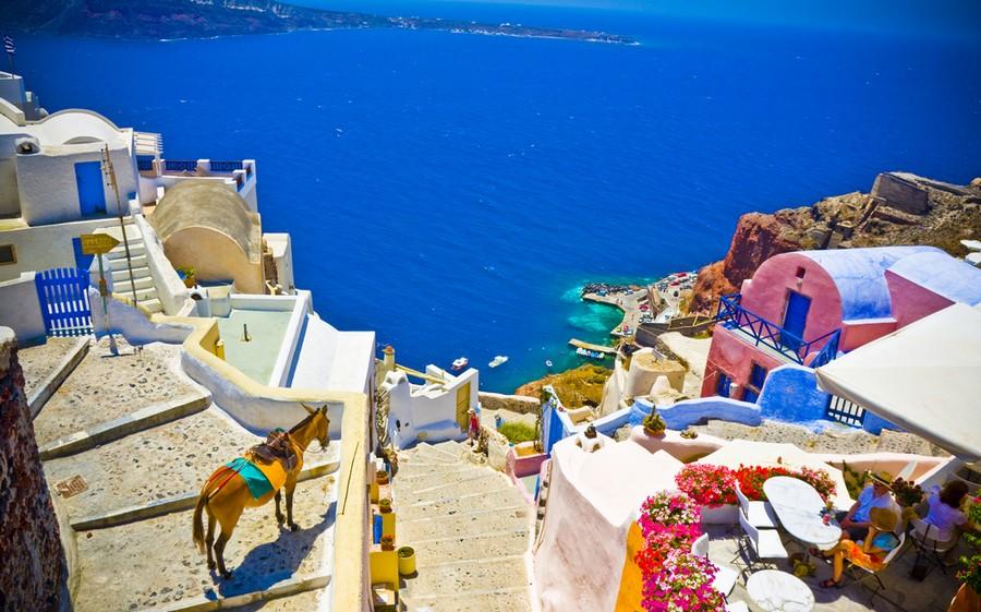 Santorini, panorama con asinello