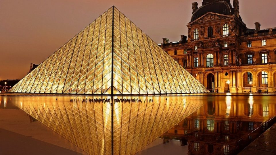 Louvre a Parigi -ph EdiNugraha via pixabay