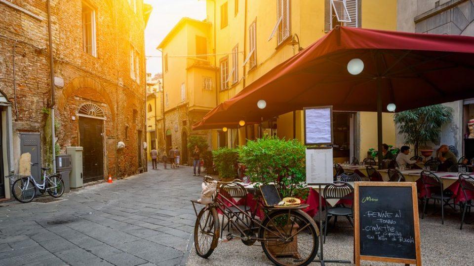 Lucca, una strada nel centro