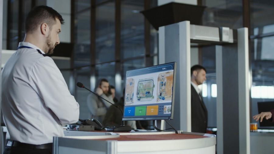 Controlli di sicurezza in aeroporto