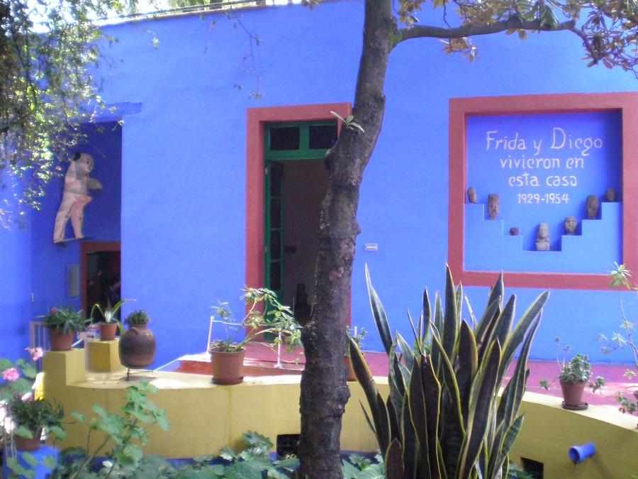 Casa Azul – ph di Éclusette via Wikipedia – Opera propria – CC BY 3.0