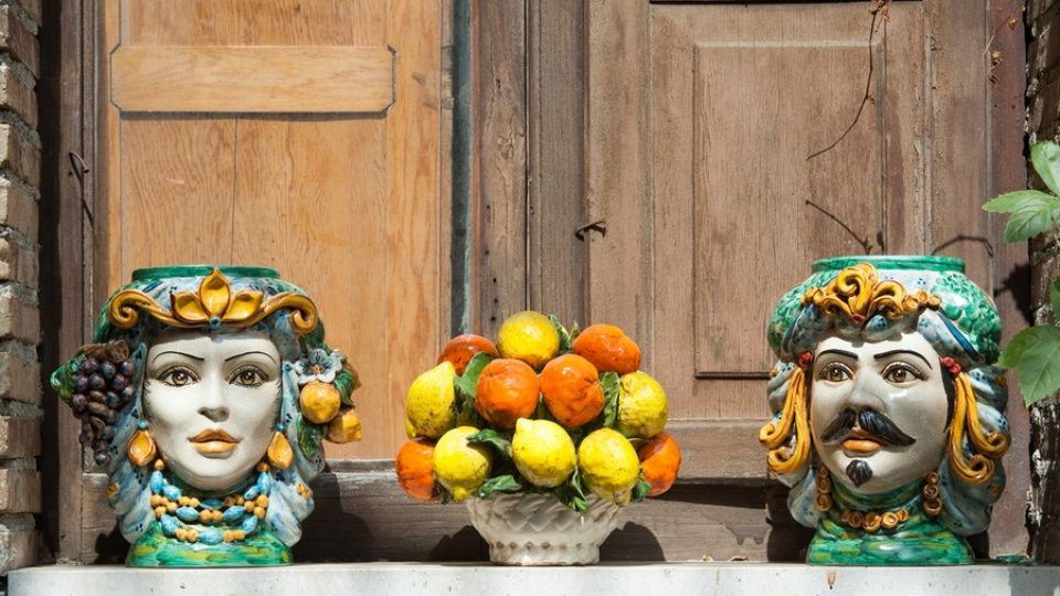 Le famose teste in ceramica siciliana