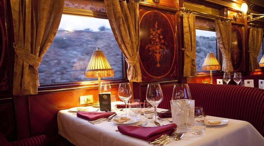 Interni del treno di lusso Al Andalus