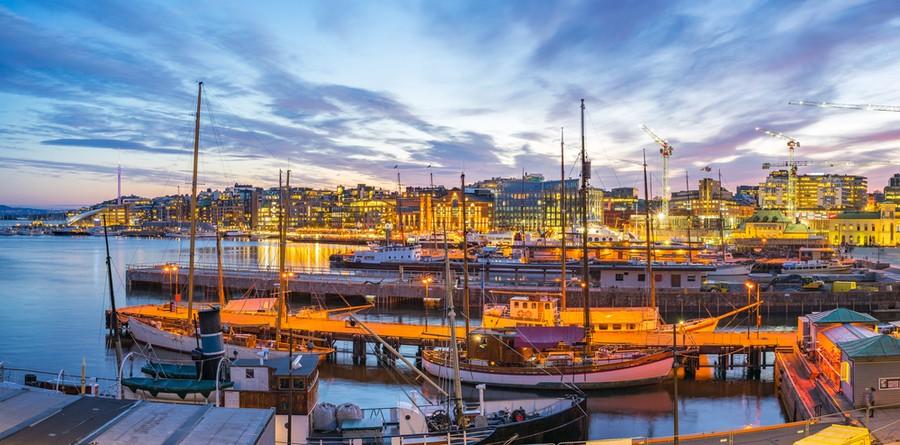 Porto di Oslo al tramonto