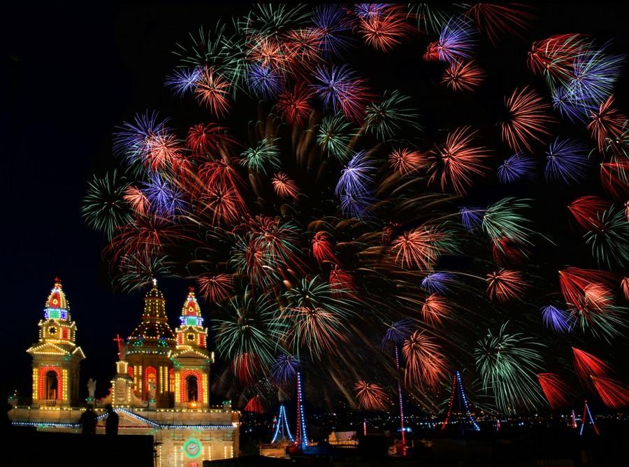 Fuochi d'artificio in località Luqa a Malta