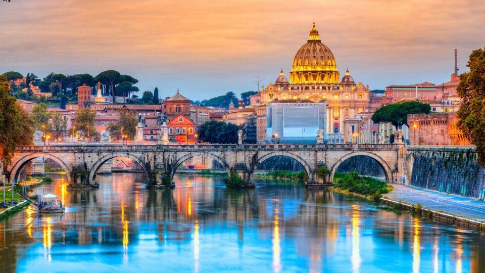 Tevere e Basilica di San Pietro, Roma