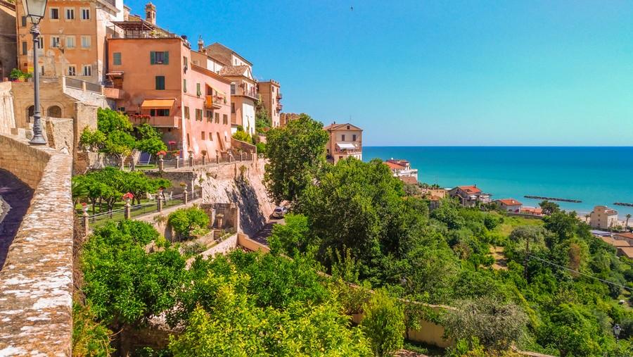 Grottammare, borgo medievale sul mare delle Marche