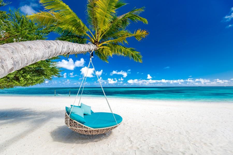 Altalena su una spiaggia delle Maldive