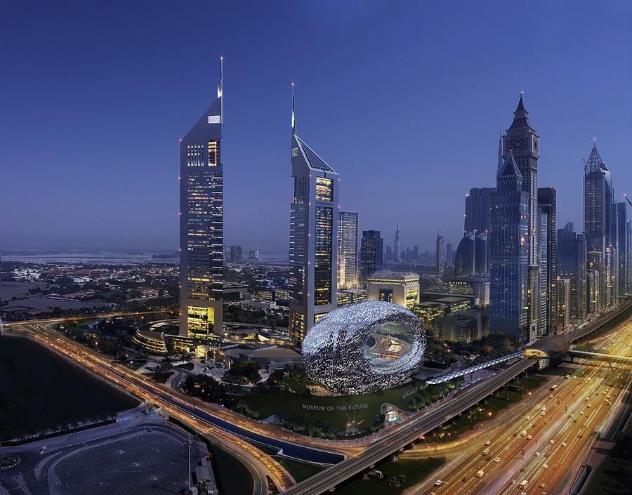 Skyline di Dubai con il Museo del Futuro