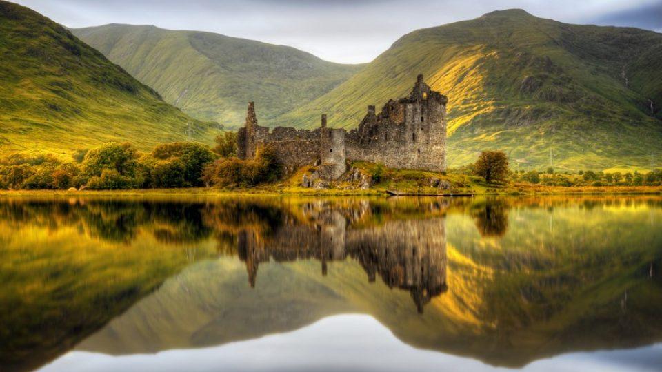 Castello di Kilchurn a Loch Awe, Scozia