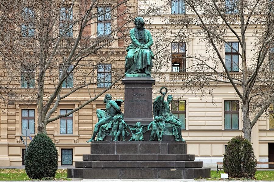 Monumento a Beethoven, Vienna