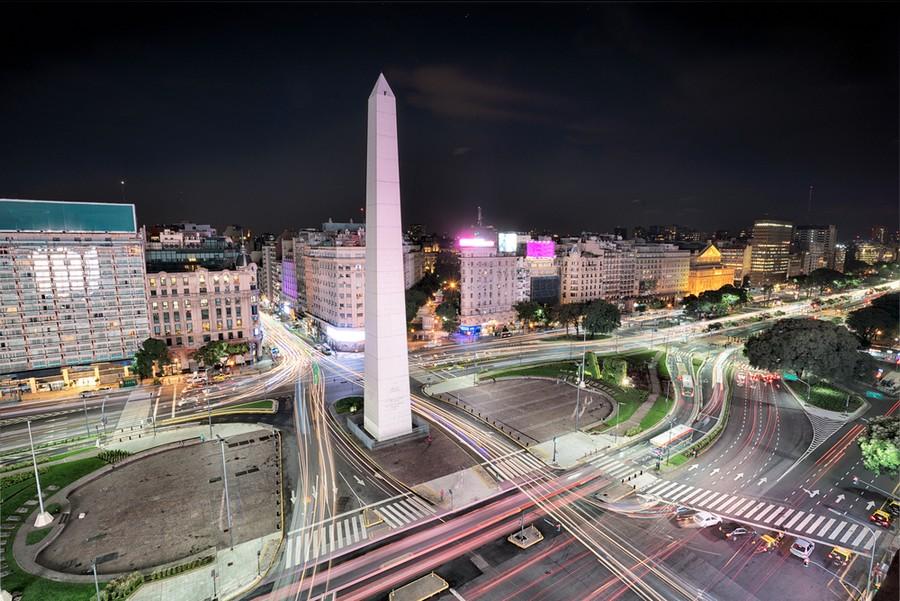 L'Obelisco dell'Avenida 9 de Julio a Buenos-Aires