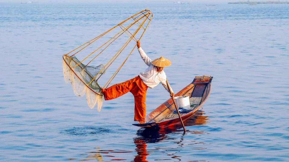 Un pescatore sul Lago Inle