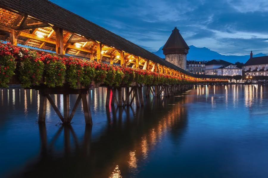 Il Ponte di Lucerna di notte