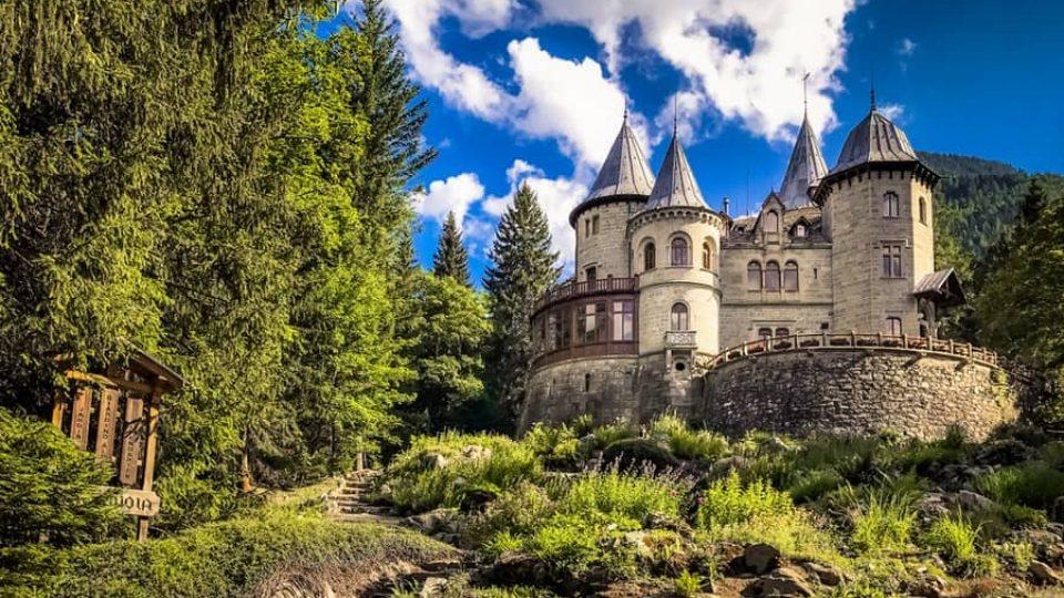 Castello-Savoia-min